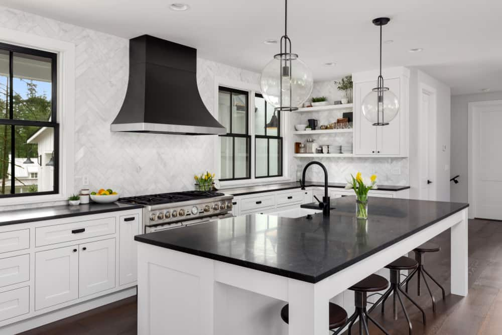 Elegant Black and White kitchen cabinet ideas