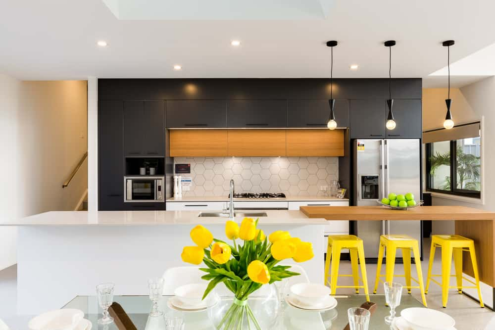 Splashes of Colour kitchen makeover ideas