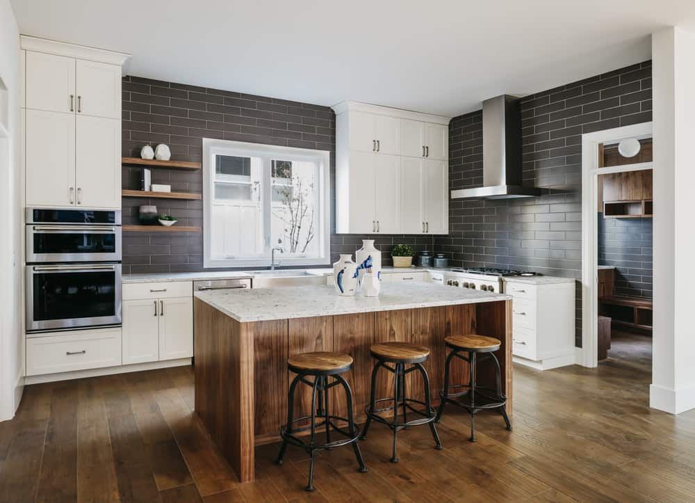 Wooden Accents kitchen makeover ideas