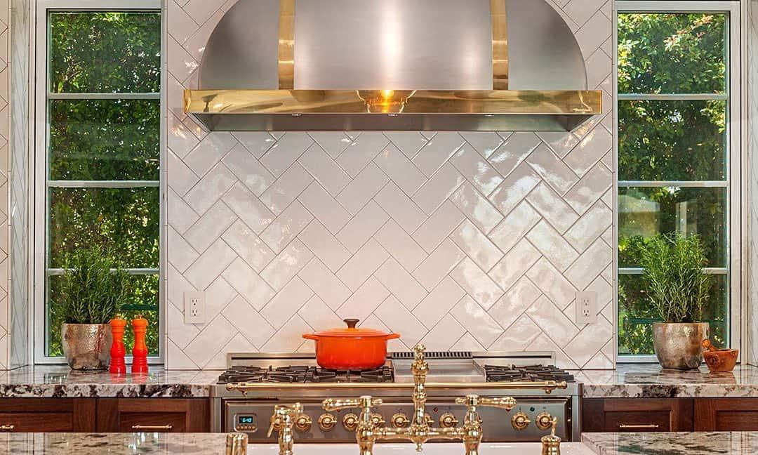 Image of: 31 Stylish Kitchen Hood Ideas