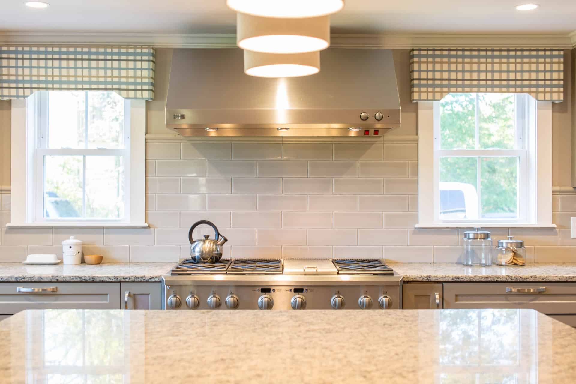 Checkered Curtains and Valance retro kitchen ideas