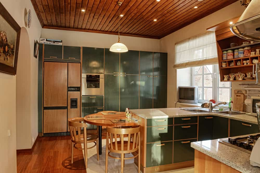 Old Wood retro kitchen ideas