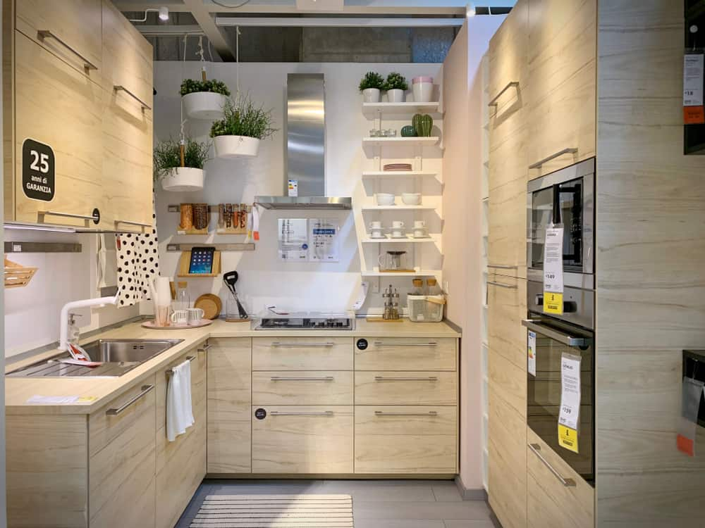 Purely Wooden tiny house kitchen ideas