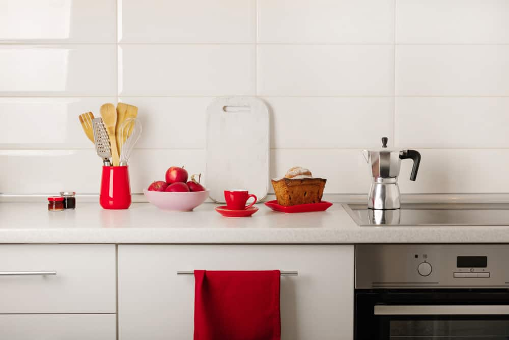 Red Crockery and Accessories red kitchen ideas